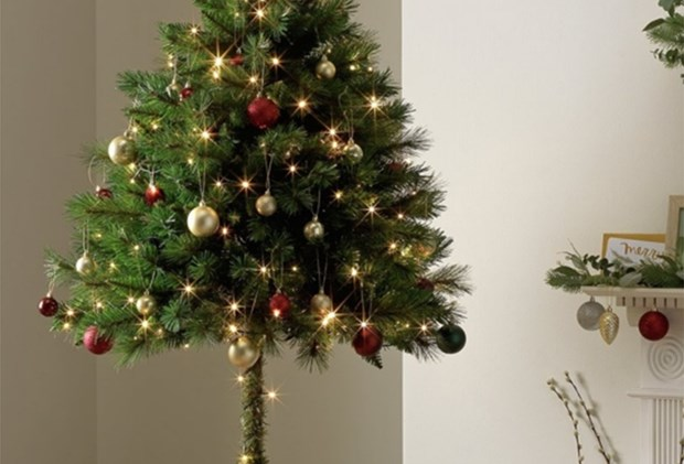 Toddler Proof Christmas Tree.Parents Are Going Crazy For This Toddler Proof Christmas