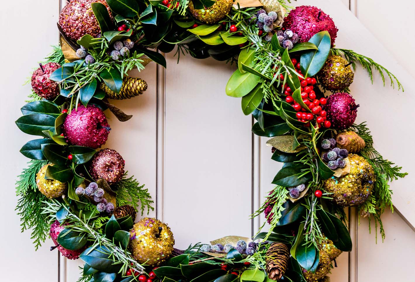 How To Make A Diy Upcycled Christmas Wreath Practical Parenting