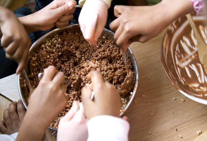 let kids stir the ingredients