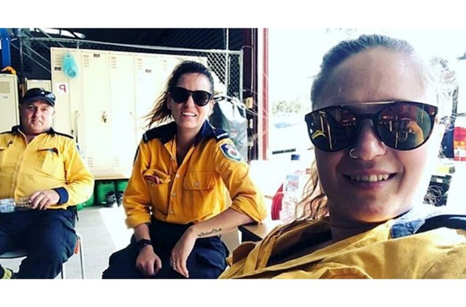 Kelly Michelle (right) also volunteers. Image: Instagram