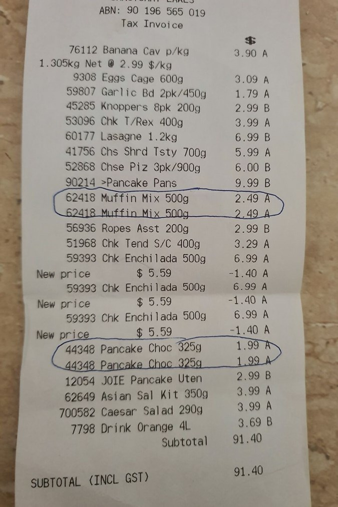 The shopper points out she was charged for the same item ... twice! Image: Aldi Mums/Facebook