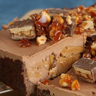 /media/3418/snickers-cheesecake-square.jpg