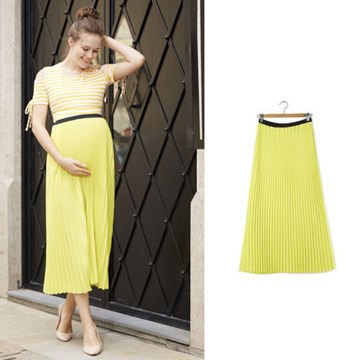 Egg Maternity Pleat Skirt in yellow