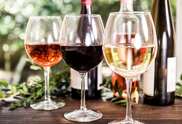 Drinking This Wine Before Bed Helps You Lose Weight